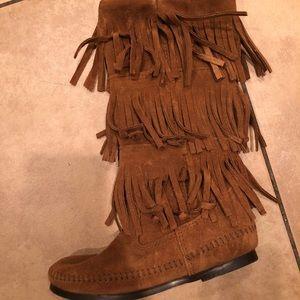 Minnetonka 3 layer fringe boot.  Never worn